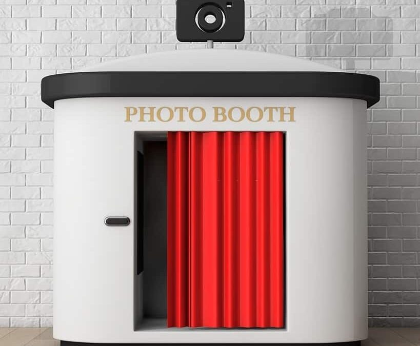 Hiring Photo Booth Bounce Houses For Wedding